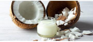 O óleo de coco combate o envelhecimento e emagrece